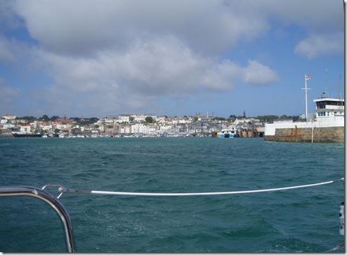 Ut fra St Peters Port